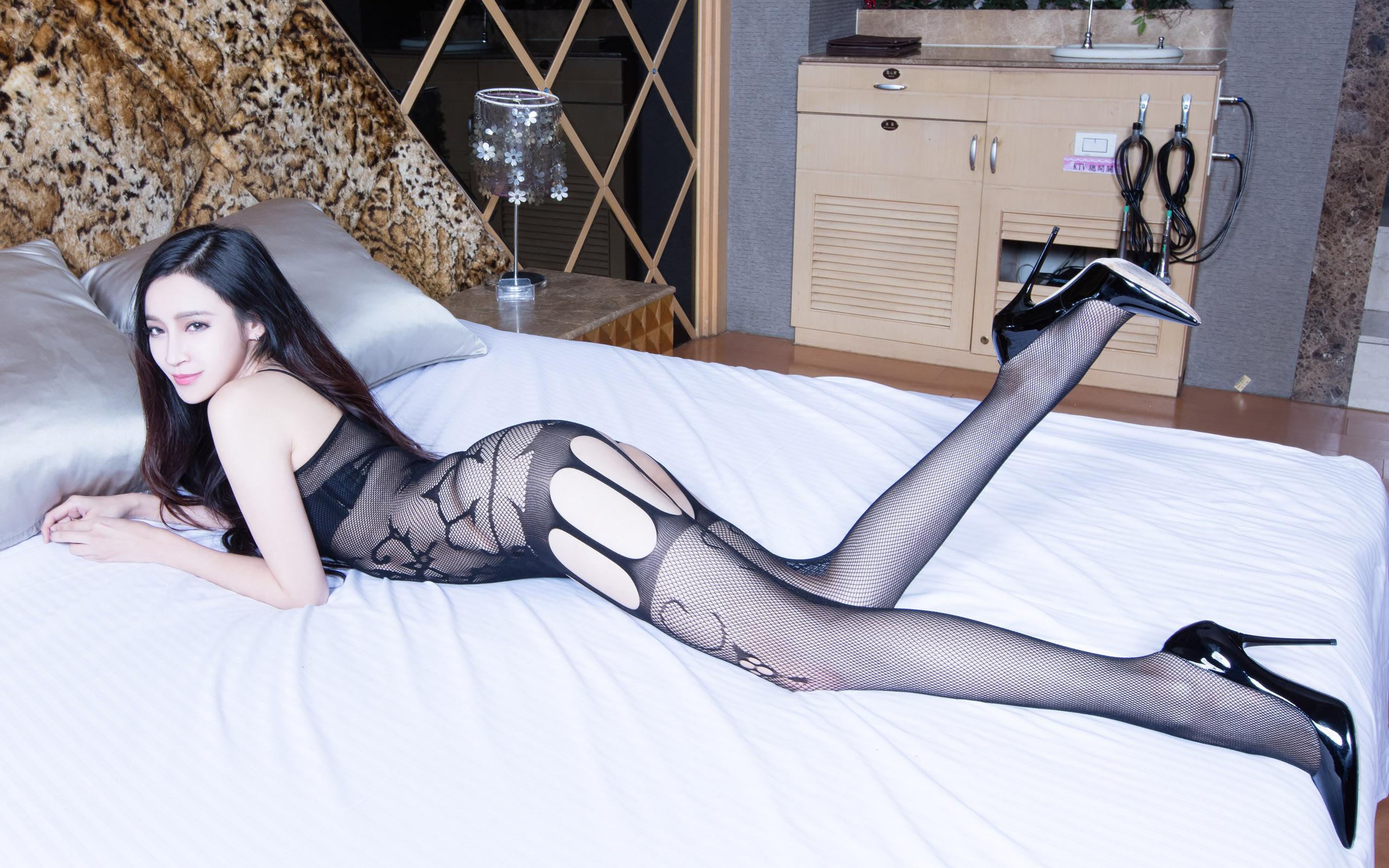 黑丝腿模-Avril [60P] - 热鸟论坛
