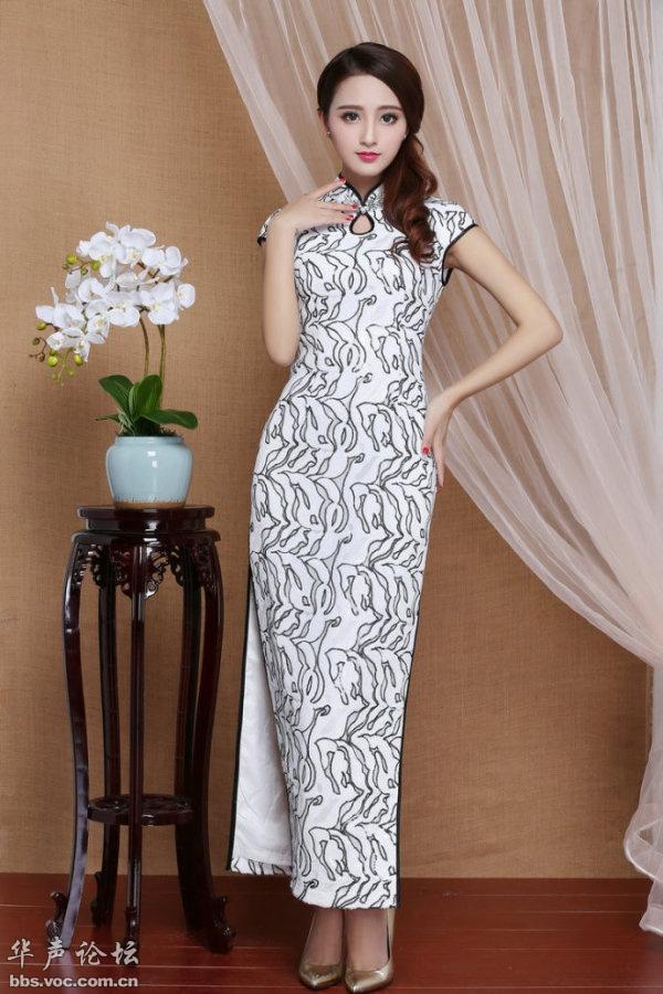美女旗袍民族风