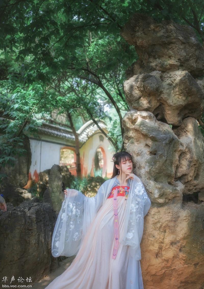古典汉服美女户外写真