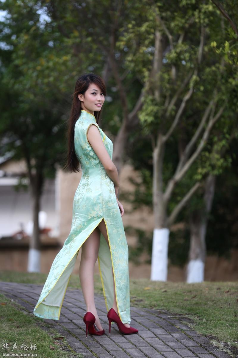 漂亮的荷花绿旗袍女 - 春色满园 - 春色满园