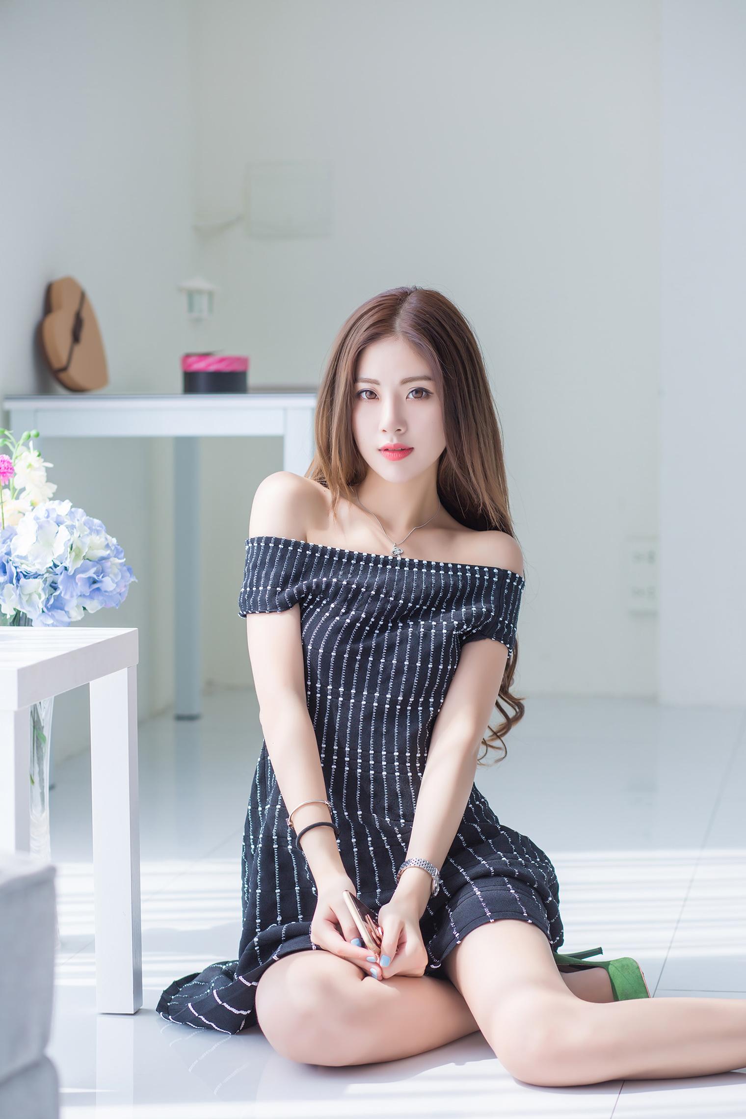 白皙漂亮嫩模-菲儿 4 - 1505147909 - 太阳的博客
