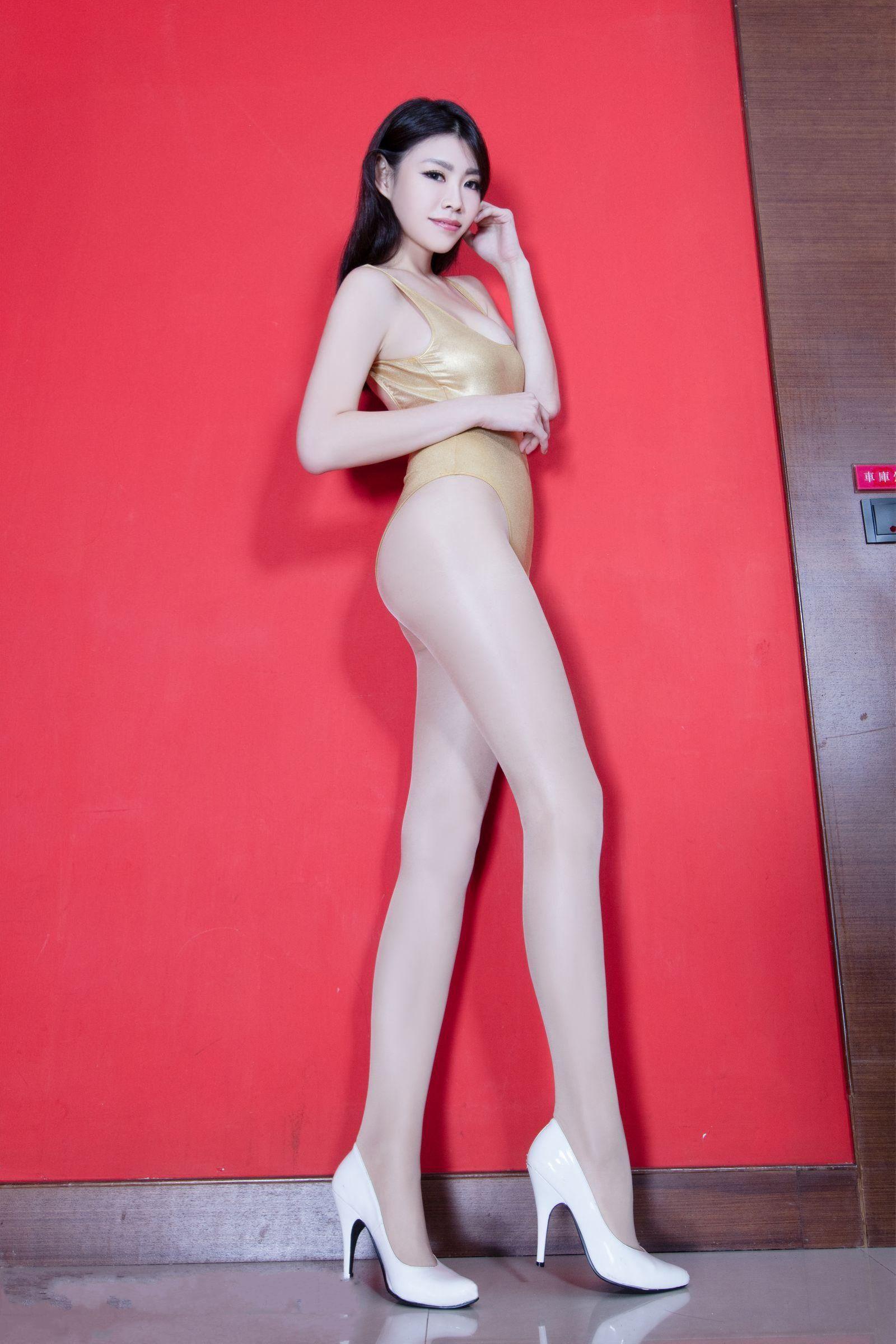 北彩美女美腿秀-Zoey[35P]Pd8fd