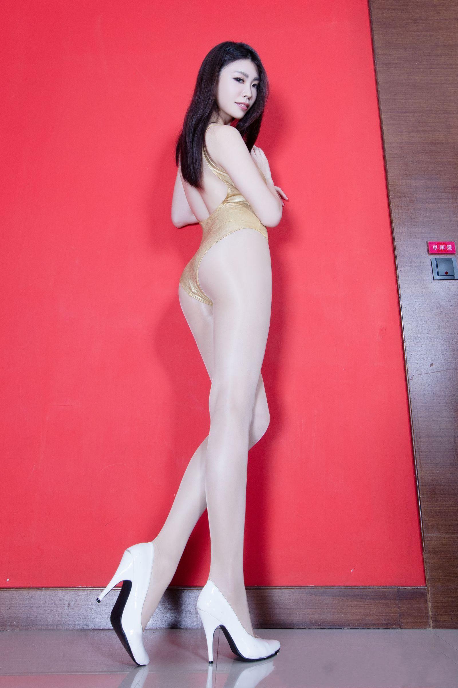 北彩美女美腿秀-Zoey[35P]LZxEA