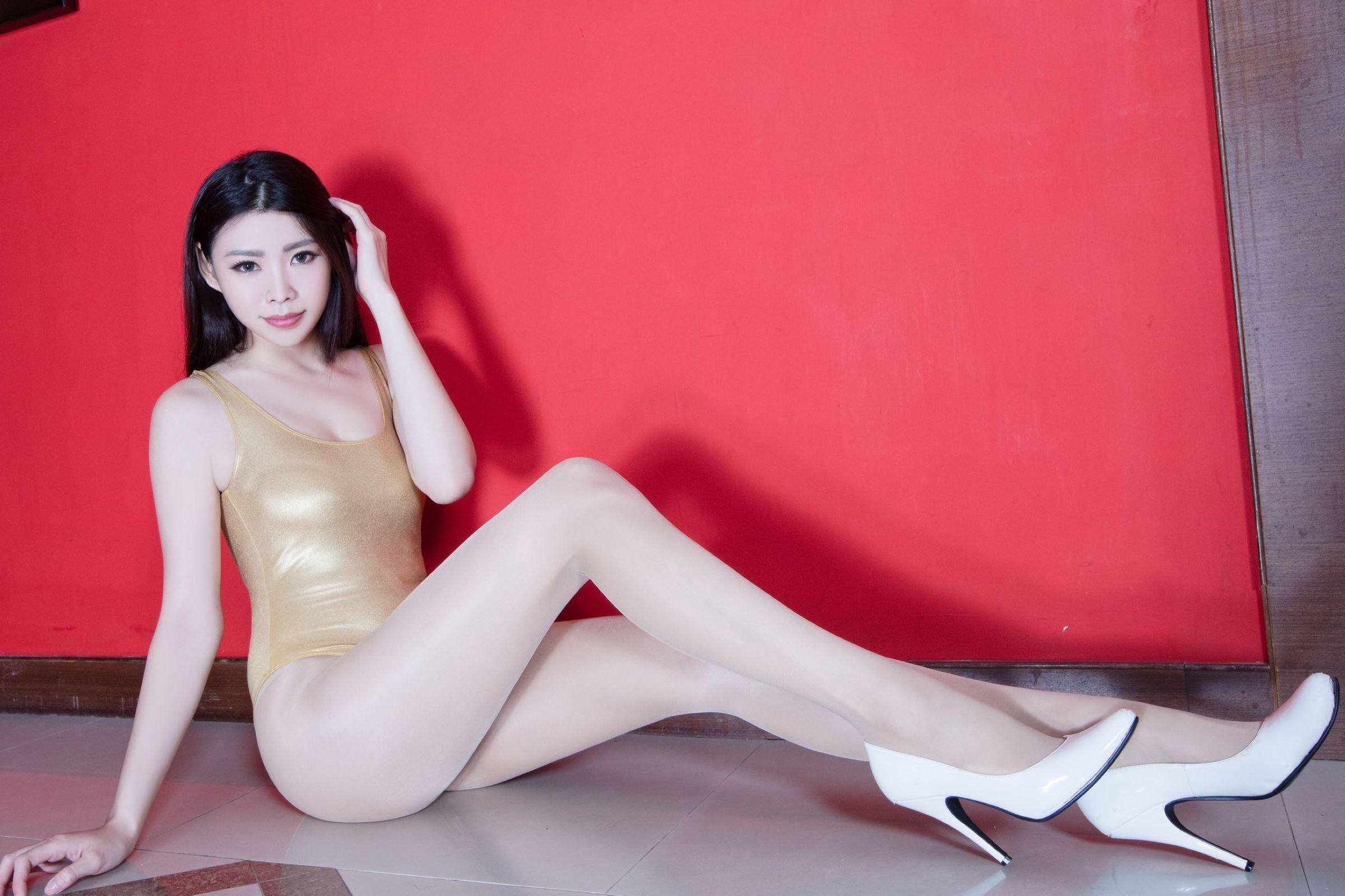 北彩美女美腿秀-Zoey[35P]ca91u