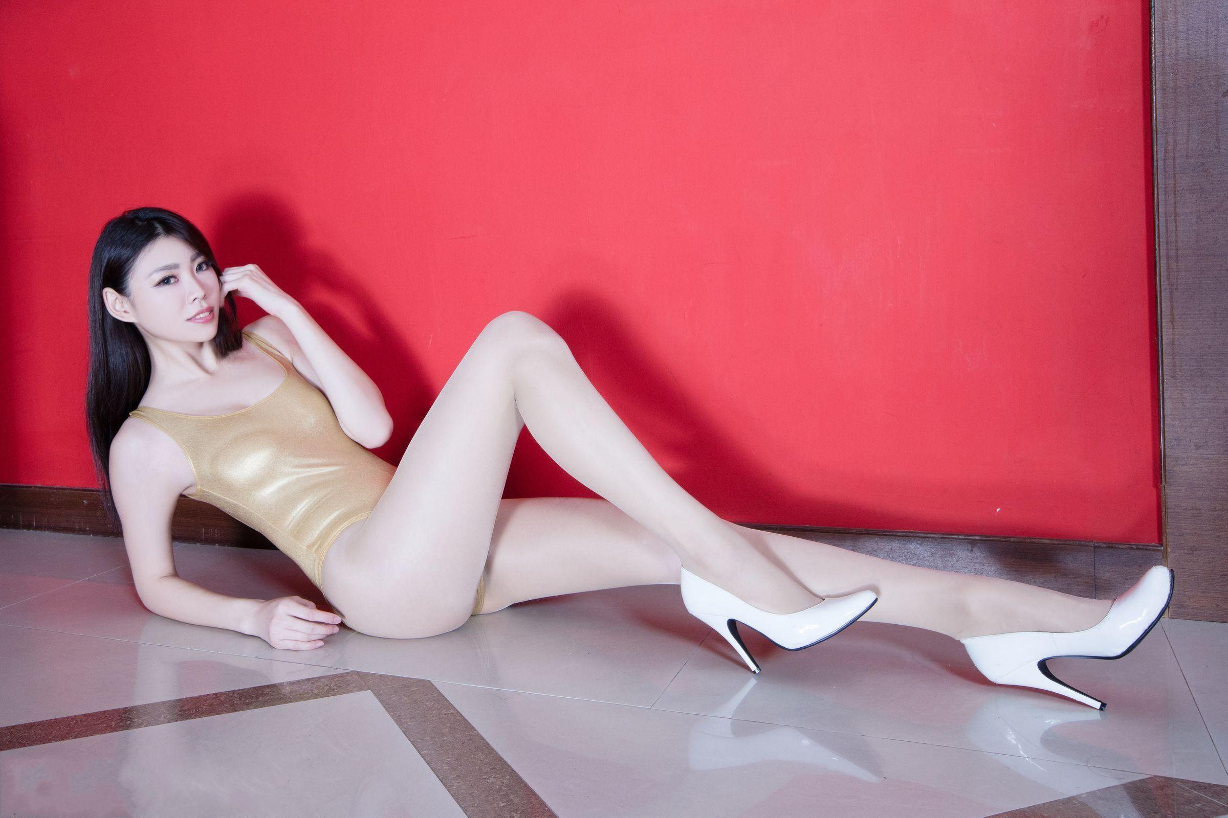 北彩美女美腿秀-Zoey[35P]bhbkM