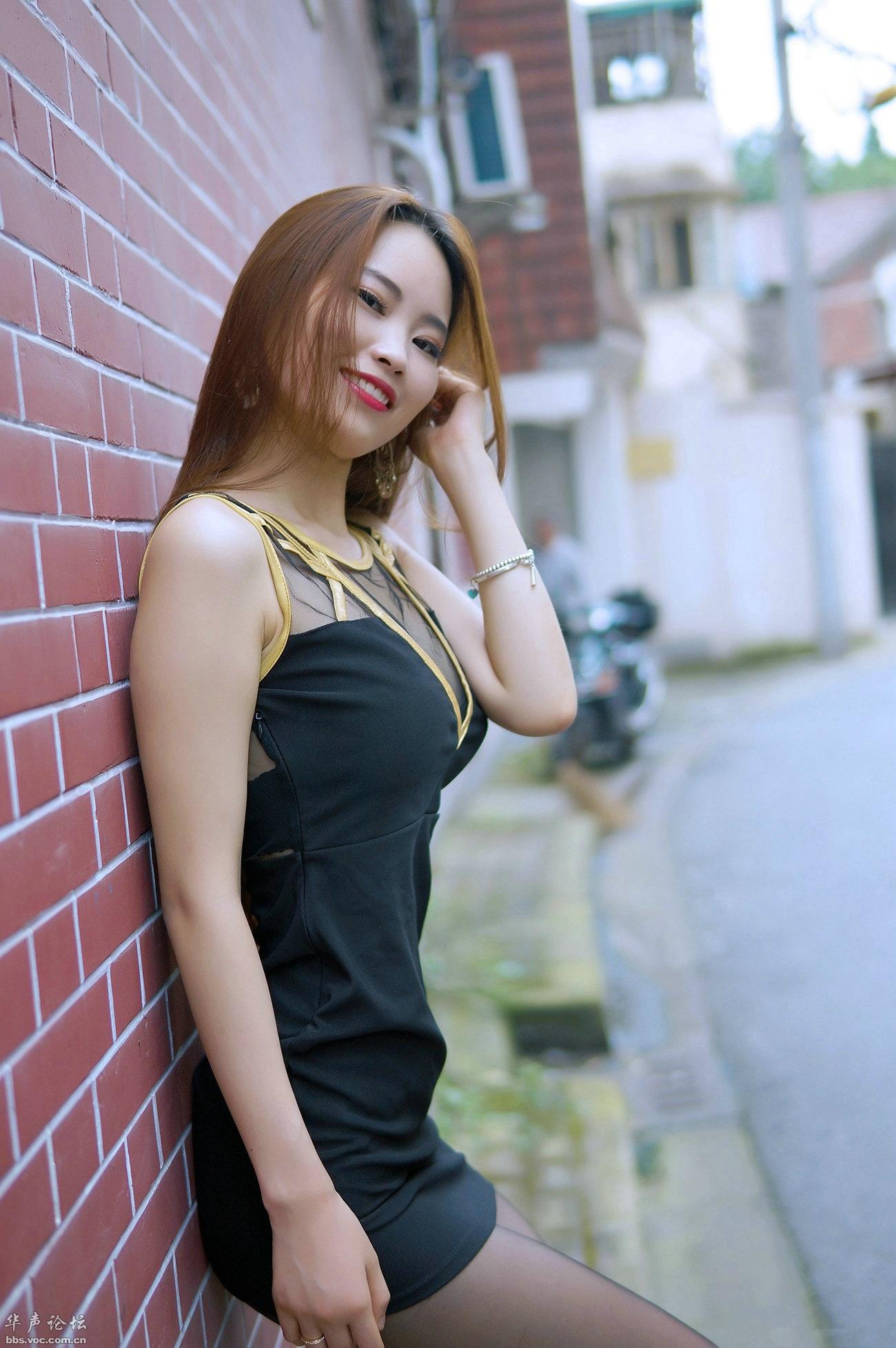 亭亭玉立 黑裙黑丝 - 花開有聲 - 花開有聲
