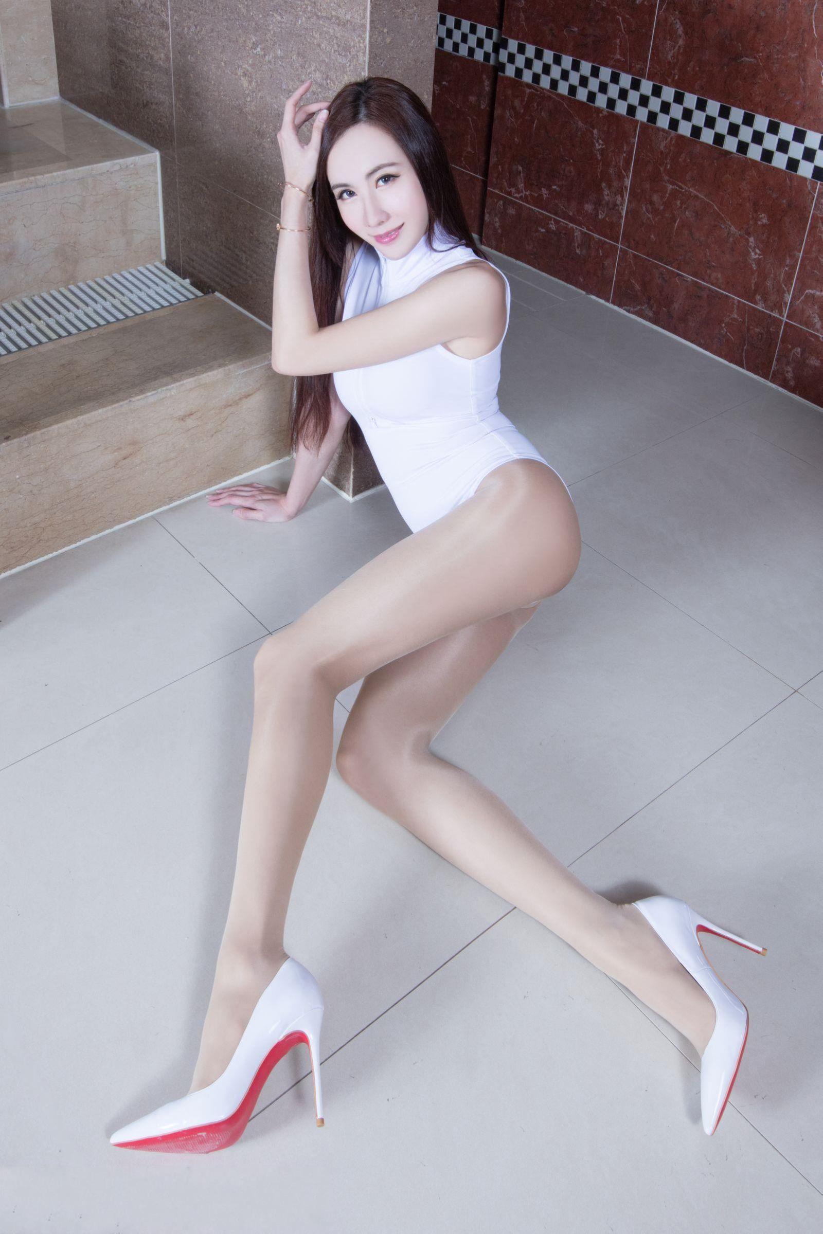 爱秀美腿秀Dora2 - 花開有聲 - 花開有聲