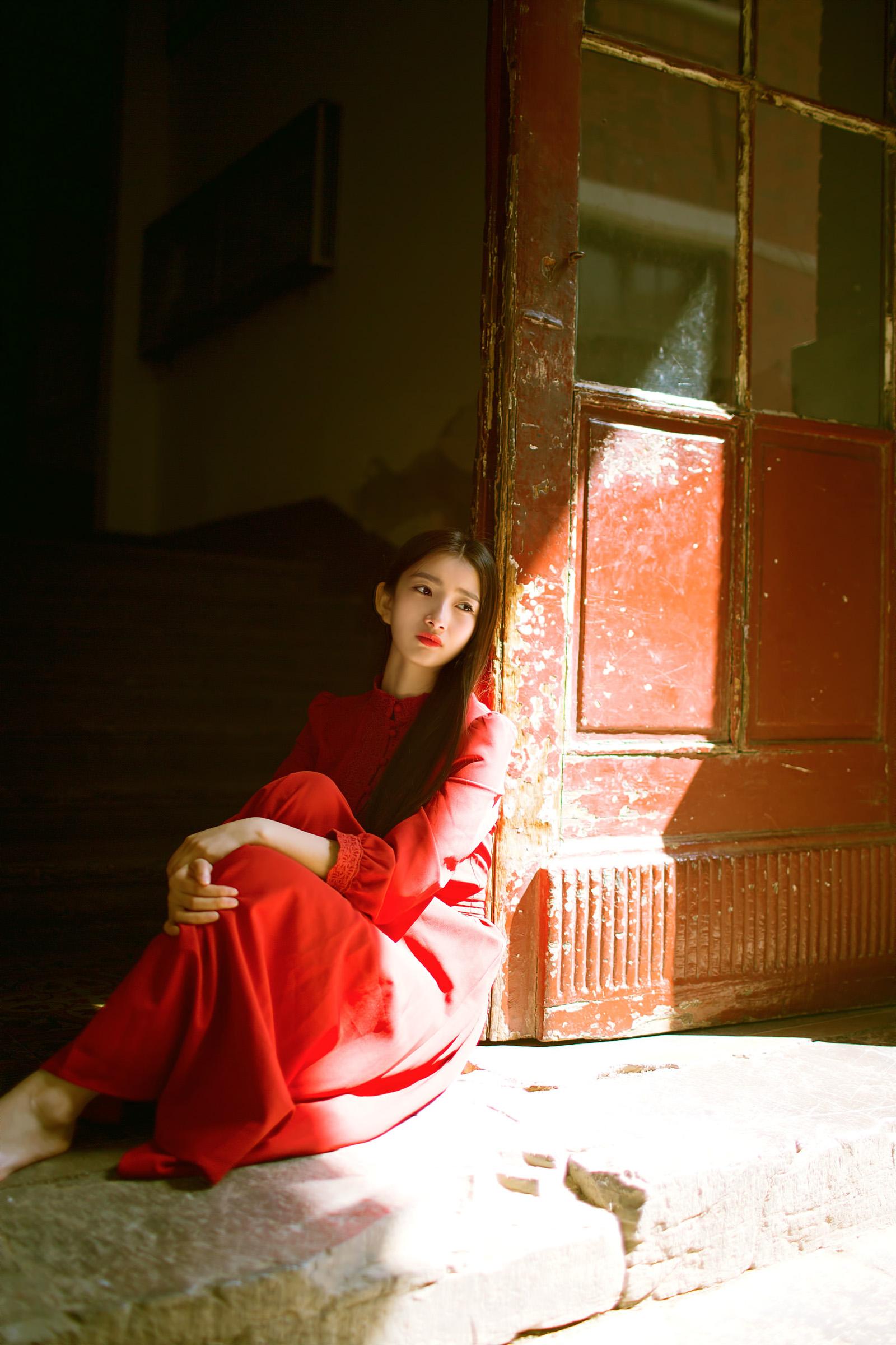隔着红尘的距离 静静地读你【情感美文】 - 花仙子 - 花仙子的博客.