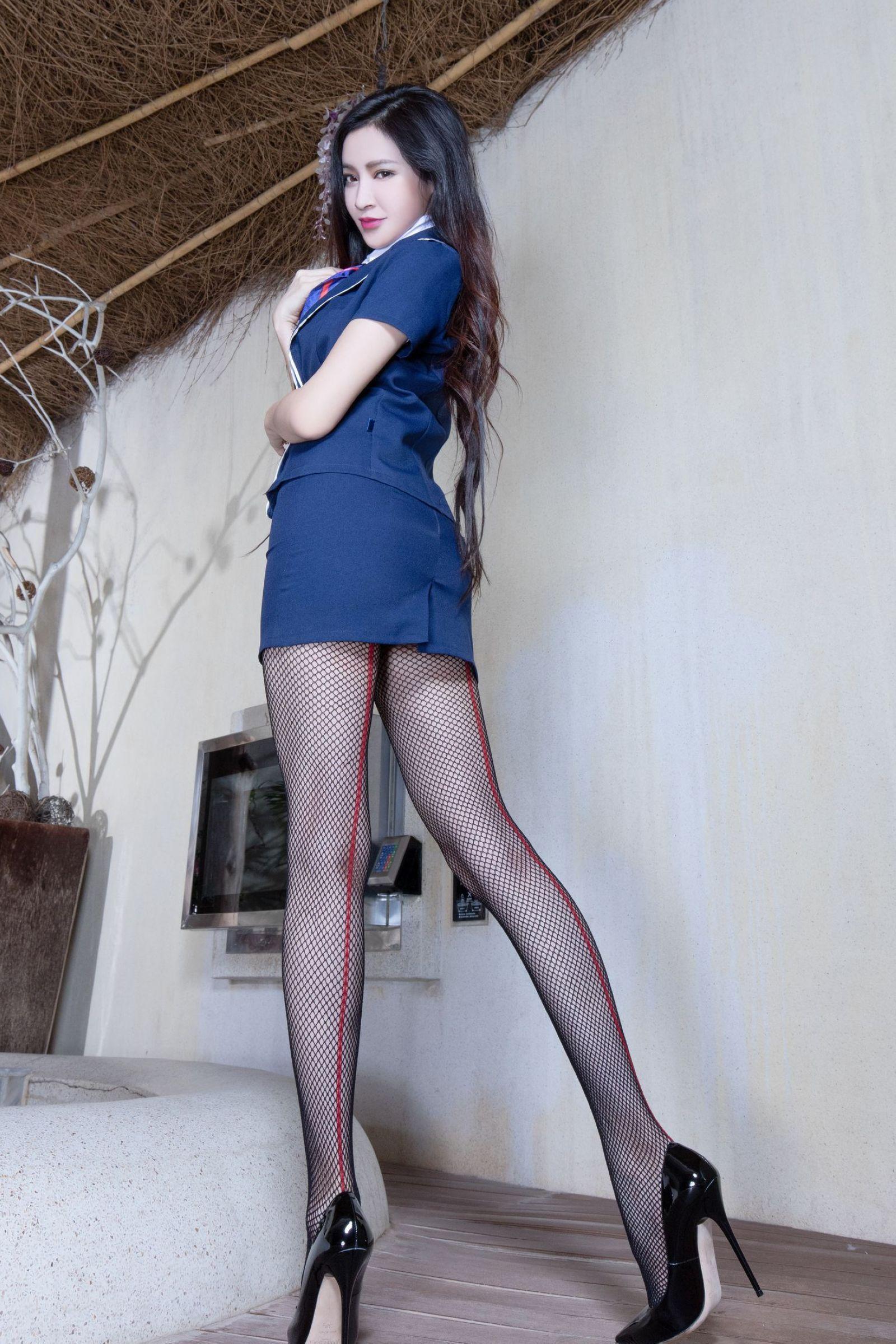 爱秀美腿秀Avril - 花開有聲 - 花開有聲