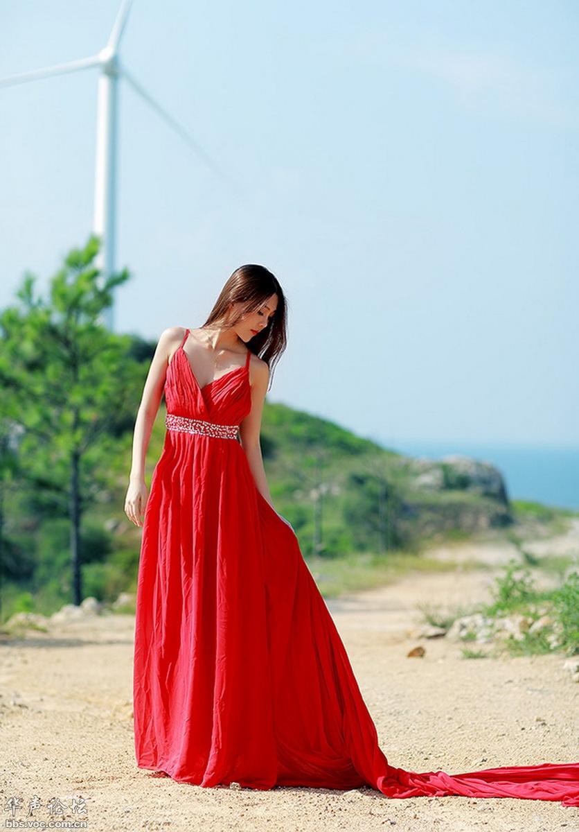 飘扬的红裙