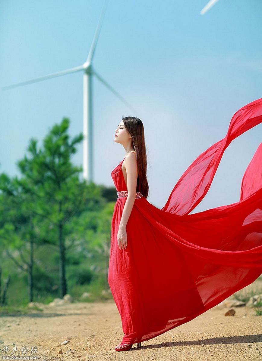 飘扬的红裙 - 花開有聲 - 花開有聲