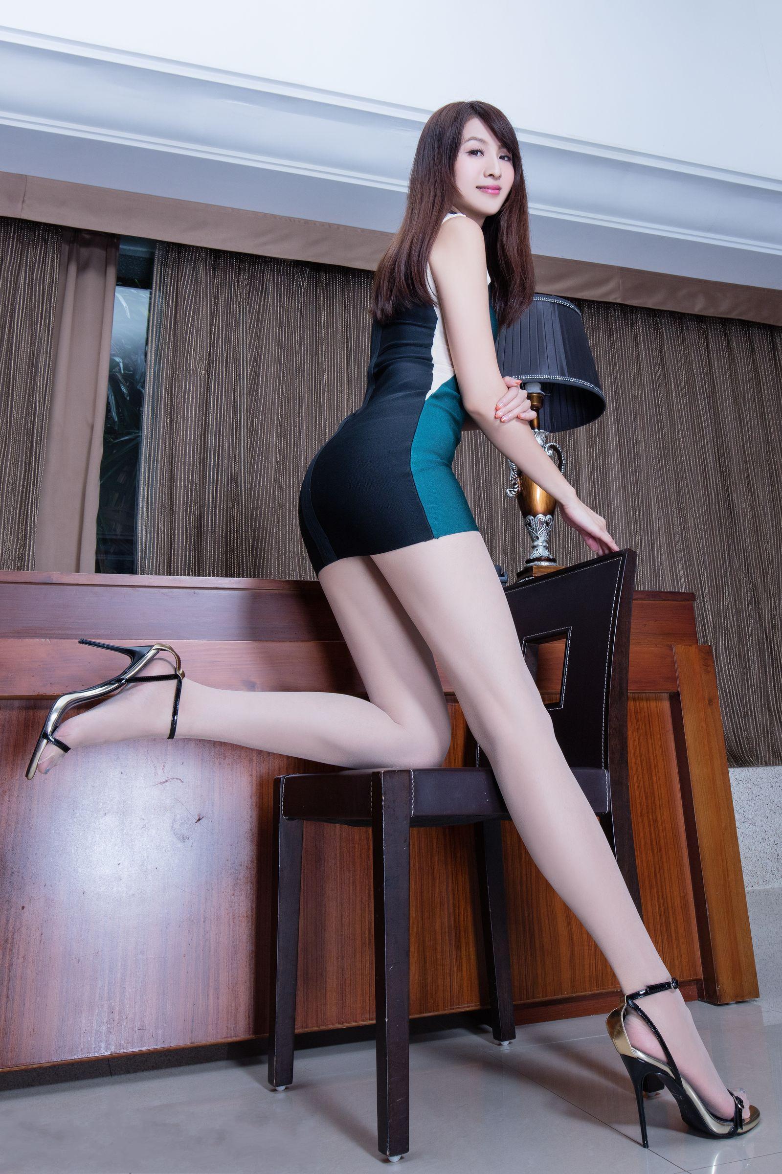 爱秀美腿秀Vicni1 - 花開有聲 - 花開有聲