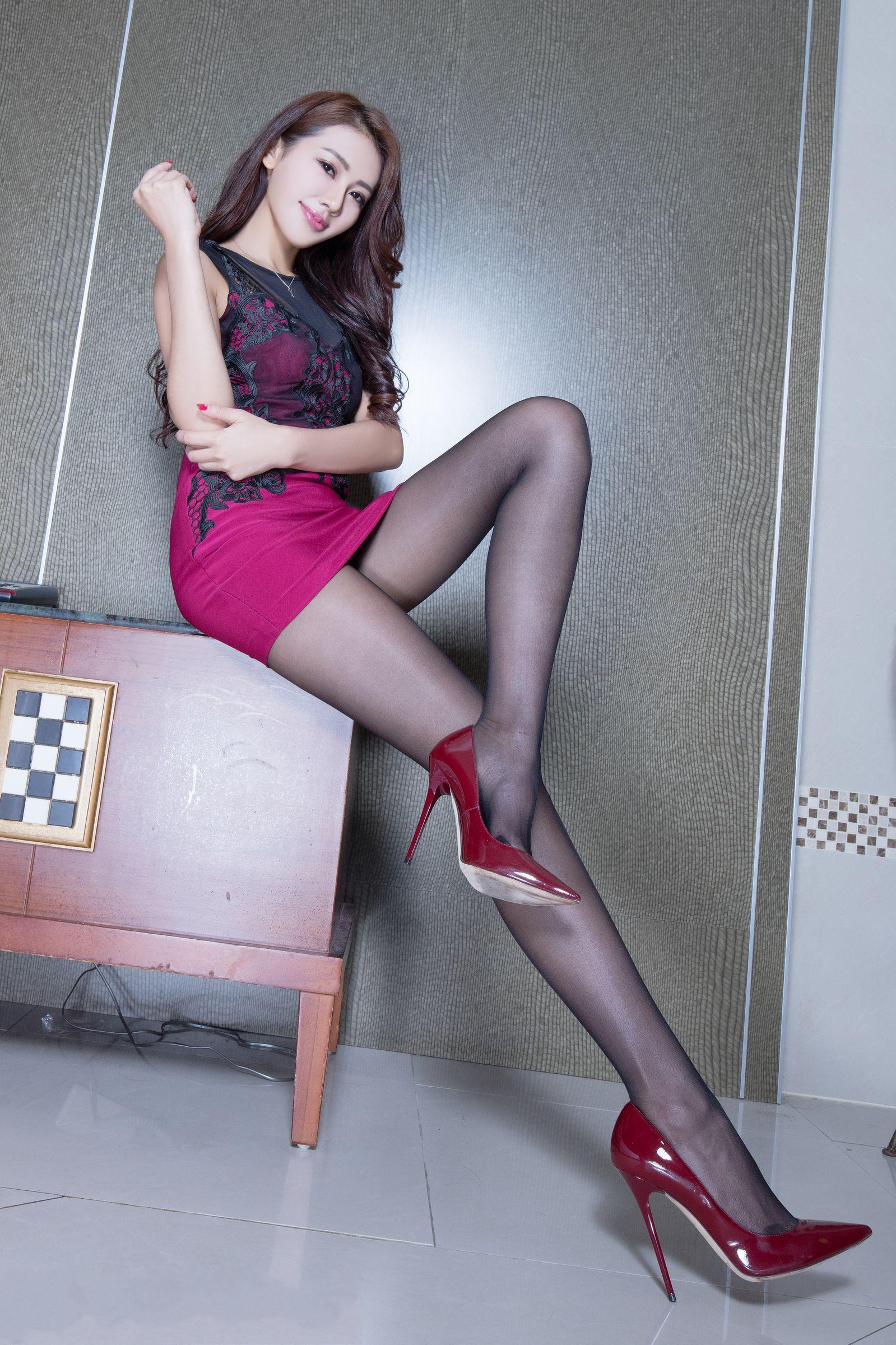 爱秀美腿秀Christine2 - 花開有聲 - 花開有聲