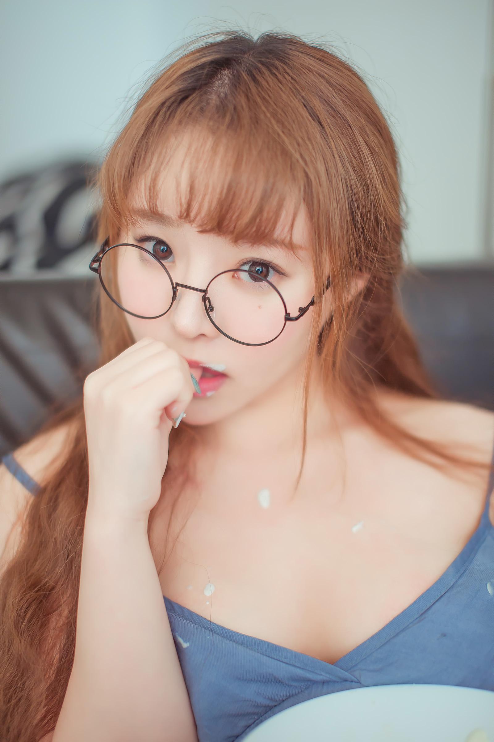 奶莓甜姿姿少女【15P】