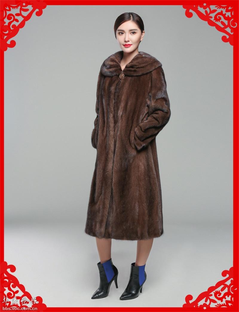 穿貂皮大衣的女人[贴图]
