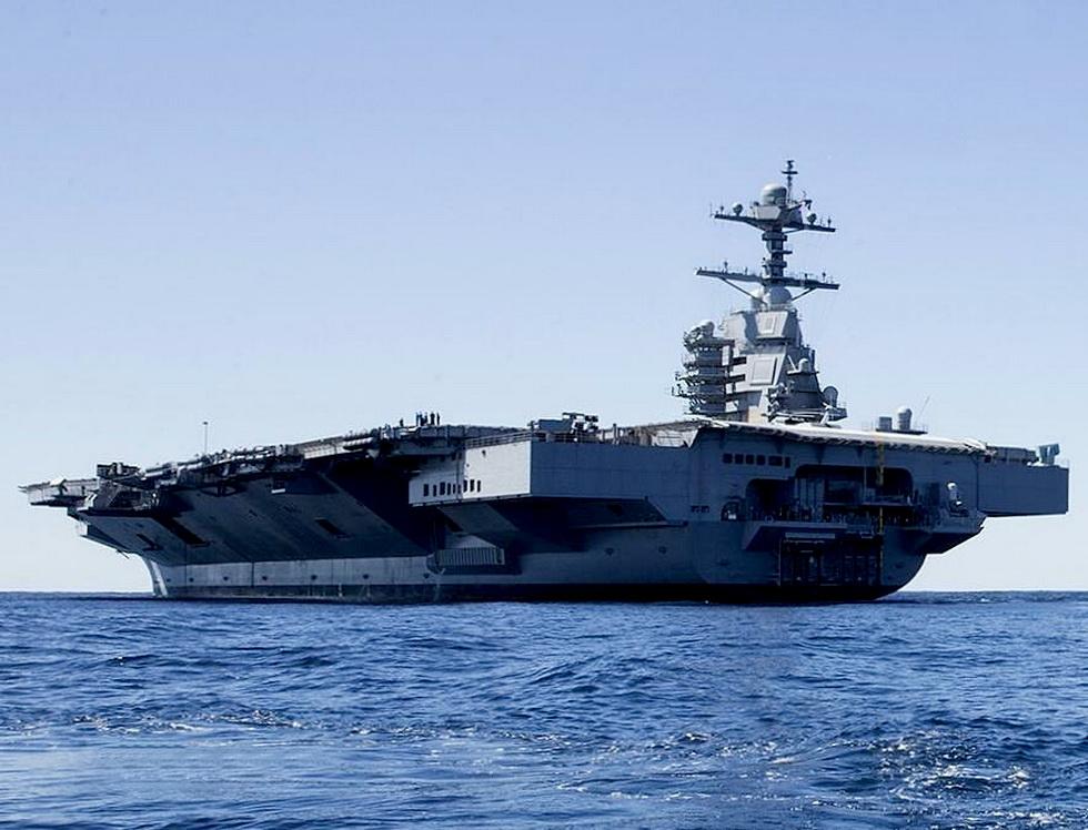 美国最新航母福特号服役图片