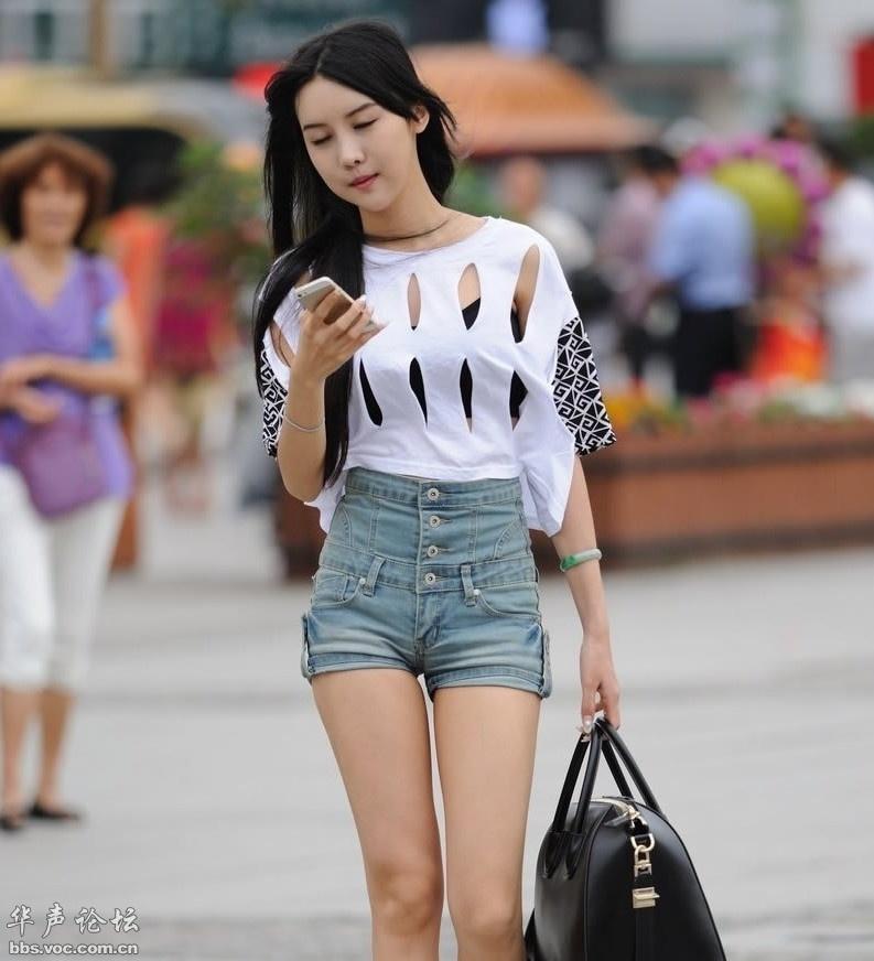 小姐高腰熱褲鏤空裝既時尚又顯身材[貼圖]