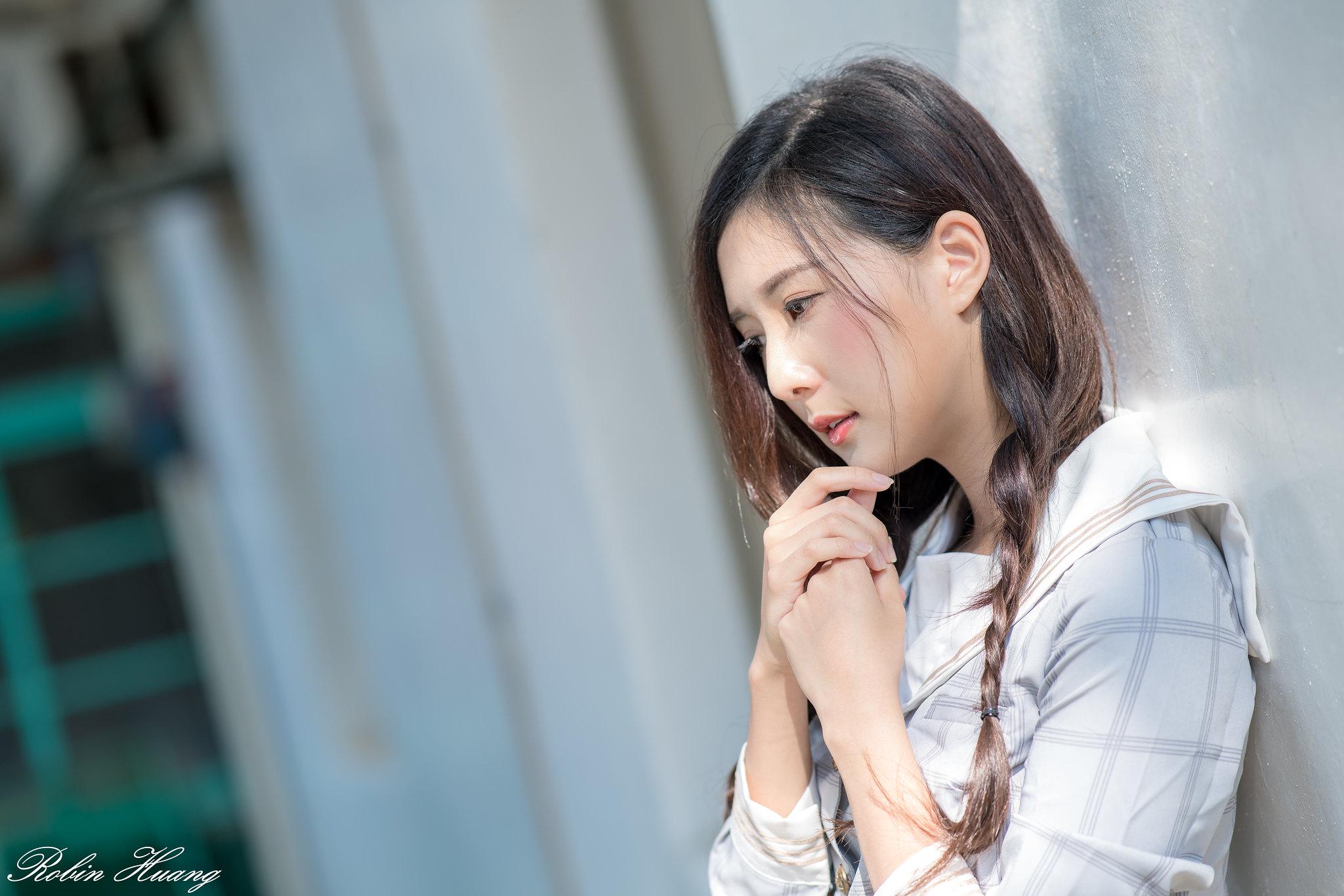 ★制服女生……[Robin Huang 作品 陈郁晴 282p]……第272辑
