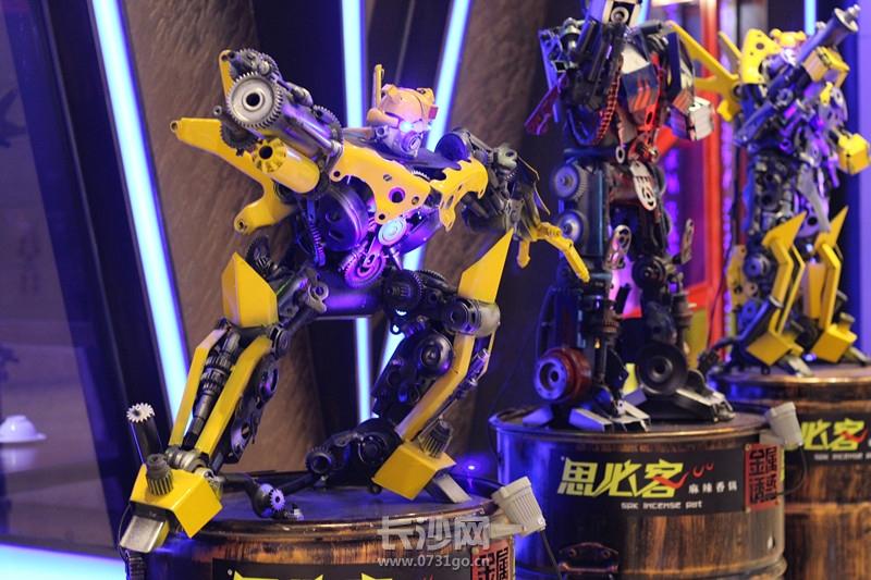 迎宾机器人:大黄蜂_副本.jpg