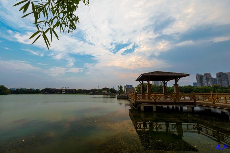 9.10月湖--53.jpg