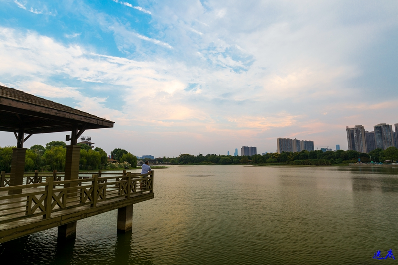 9.10月湖--62.jpg